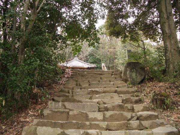 松笠山入り口