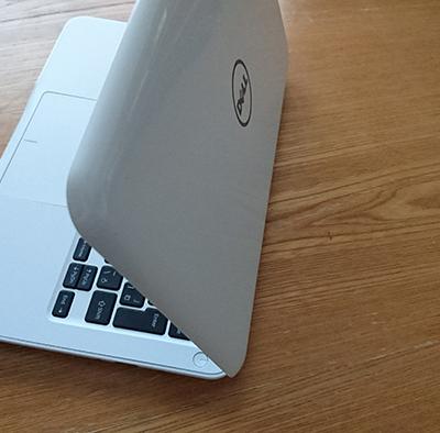 Dell Inspiron 11 3000シリーズ SSD搭載 を購入しました。